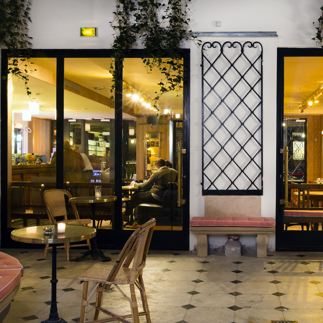 Grand amour hotel paris france 35 verified reviews tablet hotels - Hotel grand amour paris ...