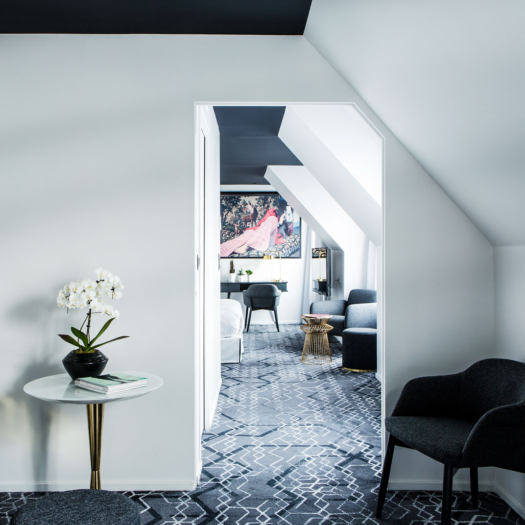 le g n ral h tel paris france v rifiez les commentaires tablet hotels. Black Bedroom Furniture Sets. Home Design Ideas