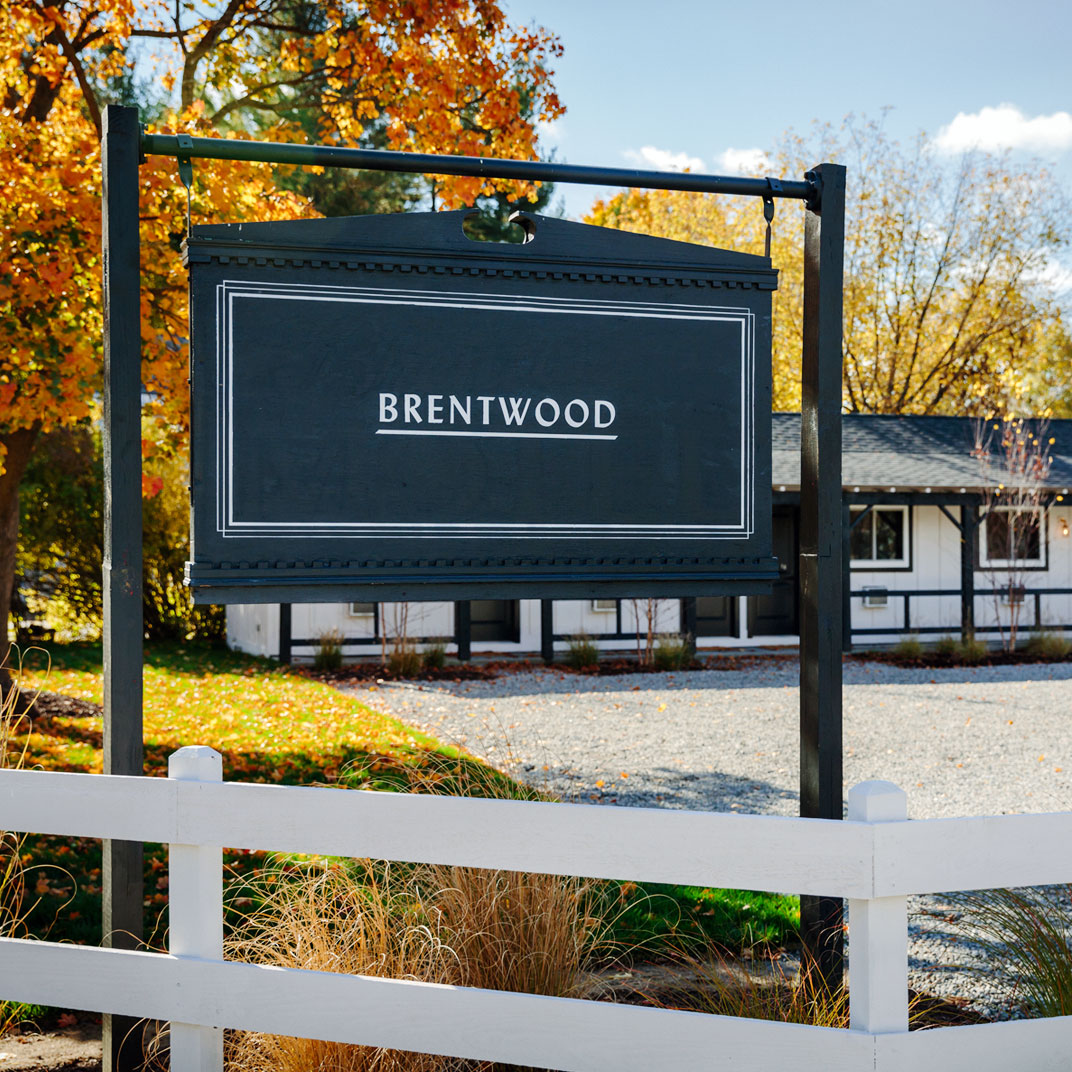 Brentwood hotel saratoga springs new york verified for Tablet hotels nyc
