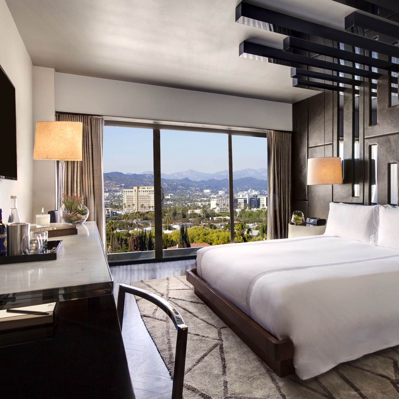 Sixty Hotel Beverly Hills Superior Room  Queen Bed